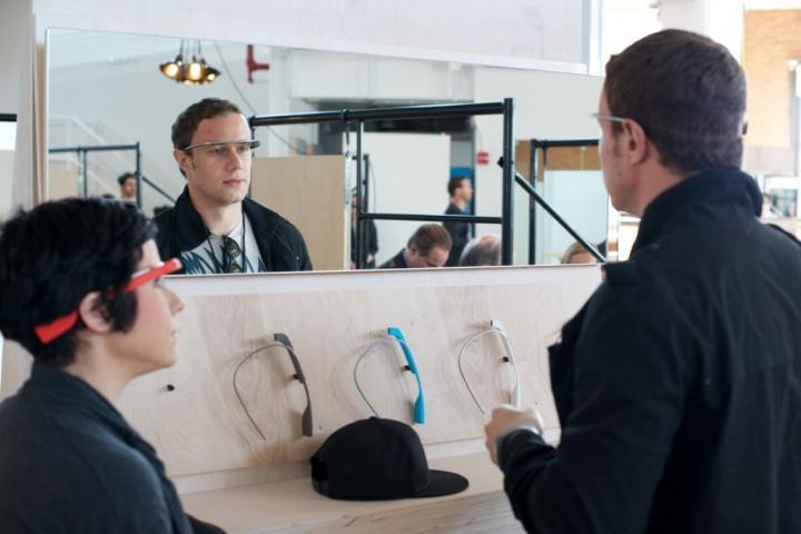 Google cierra todas las tiendas oficiales de Google Glass